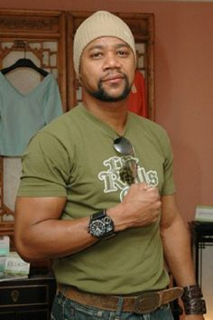 Cuba Gooding Jr!!! he is my favorite actor in  hollywood!!!