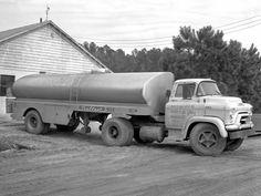 1955 GMC  F370 milk truck