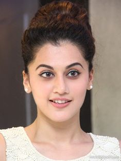 Get the latest pictures of hot Bollywood actress Taapsee Pannu. Explore 100 best Taapsee Pannu wallpapers HD and her latest pictures. Indian Bollywood Actress, Beautiful Bollywood Actress, Most Beautiful Indian Actress, Indian Actresses, Cute Beauty, Beauty Full Girl, Beauty Women, Indian Celebrities, Beautiful Celebrities