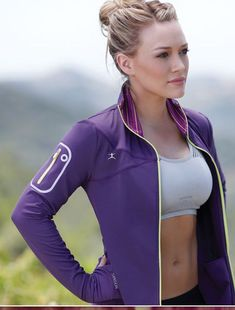 Hilary Duff's High-Energy Piloxing Workout (Blend Of Pilates, Boxing and Dance)