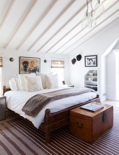 Ben Watts Montauk Cottage Bedroom -  Lonny July August 2013