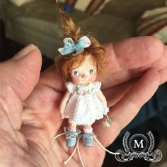 Doll's exclusive design resin, articulated arms -- Doll of resine with an exclusive design, articulated in arms Dollhouse Dolls, Kids Playing, Flower Girl Dresses, Miniatures, Princess, Wedding Dresses, Instagram Posts, Etsy, Fashion