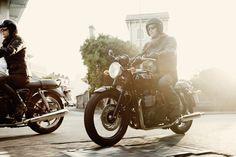 Bonneville T100 Black | Triumph Motorcycles