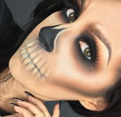Looking for for ideas for your Halloween make-up? Browse around this site for cool Halloween makeup looks. Cute Halloween Makeup, Halloween Inspo, Halloween Looks, Diy Halloween Costumes, Halloween Cosplay, Scary Halloween, Halloween Stuff, Costume Ideas, Trendy Halloween