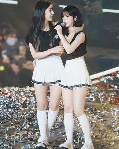 Check out GFriend @ Iomoio Kpop Girl Groups, Korean Girl Groups, Kpop Girls, J Hope Tumblr, Bubblegum Pop, Sinb Gfriend, Girls In Mini Skirts, Entertainment, G Friend