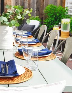 What's summer without close friends, sunshine, and good food? Join Kim and Scott Vargo of Yellow Brick Home as they throw a summer brunch on their patio to celebrate the start of the season.
