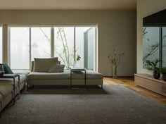 リゾートの風が渡る家|Premium Design Selection|戸建住宅|積水ハウス Bench, Lounge, Storage, Japan, Furniture, Home Decor, Image, Chair, Airport Lounge