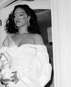 Rihanna Mode, Rihanna Riri, Rihanna Style, Rihanna Fenty Beauty, Rihanna Outfits, Pretty People, Beautiful People, Rihanna Looks, Bad Gal