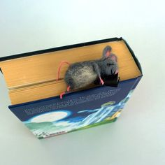 Felt miniature mouse bookmark sleeping Gray wool mouse Animal Funny graduation gift idea Loves reading Figurine book…