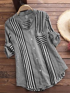 Patchwork Stripe Print Stand Collar Irregular Casual Shirts look not only special, but also they always show ladies' glamour perfectly and bring surprise. Casual Shirt Look, Casual Shirts, Casual Tops, Plus Size Shirts, Plus Size Blouses, Blouse Vintage, Printed Blouse, Stripe Print, Blouses For Women