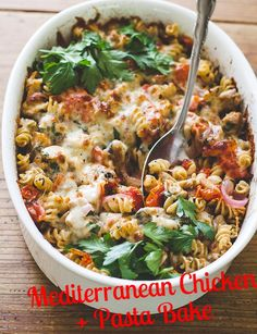 Mediterranean chicken pasta bake The Mediterranean Diet has been known as a healthful diet for years, and recent studies further support its benefits. Try making this Mediterranean Chicken + Pasta bake which includes many of the foods found in the diet! Casserole Recipes, Pasta Recipes, Chicken Recipes, Dinner Recipes, Cooking Recipes, Healthy Recipes, Meat Recipes, Healthy Meals, Healthy Food