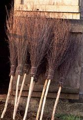 A besom, or witches broom, is an essential magical tool. They are used to cleanse and purify a space either on or around your altar or any area of your home. A besom is seen as a symbol of fertility a Theme Halloween, Halloween Prop, Halloween Projects, Diy Halloween Decorations, Holidays Halloween, Halloween Witches, Halloween Quotes, Halloween 2019, Fall Decorations