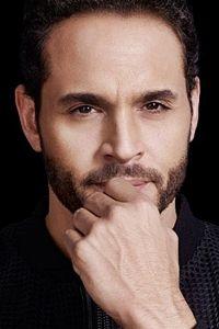 Definitely needs more beard. Hot Actors, Handsome Actors, Hottest Actors, Gorgeous Men, Beautiful People, Daniel Sunjata, Fine Black Men, One Drop, Weird Pictures