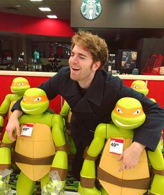 Who other than Shane Dawson would do this for their fans? Love you Shane! Markiplier, Pewdiepie, Shane Dawson Memes, Shane Dawson And Ryland, Caspar Lee, Joe Sugg, Ugly, Jack Harries, Ricky Dillon