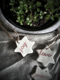 Rustic Mini Stars Christmas Ornaments/ Gift Tags These mini stars have been a hit at every Christmas fair I have been a part of. And every year I like making them for my own home. They are perfectly rustic and provincial…mini enough to look cute on your gifts or sprinkle them on your Christmas tree. Tie them on candles or on stockings and share some peace, love and joy with your near and dear ones. © La Maison Jolie