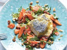 Sellerie-Mohn-Schnitzel mit buntem Karottensalat