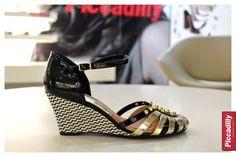 #anabela #sandália #sapato #shoes #saltoalto #pretoebranco #moda #fashion #verão #modaeconforto #piccadilly