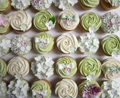 Pale green wedding giant cupcake (2)
