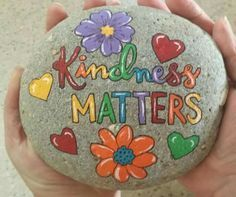 """should say """"Spread Joy"""" Easy Paint Rock For Try at Home (Stone Art & Rock Painting Ideas) Rock Painting Patterns, Rock Painting Ideas Easy, Rock Painting Designs, Paint Designs, Pebble Painting, Pebble Art, Stone Painting, Diy Painting, Painted Rocks Craft"""