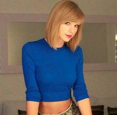Taylor Swift Casual, Taylor Swift Music, Taylor Swift Hot, Strawberry Blonde Hair Color, Corte Bob, Taylor Swift Pictures, Bob Hairstyles, Hair Cuts, Beautiful Women