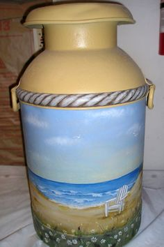 Painted Milk Cans Painted Milk Cans, Paint Cans, Milk Jug Projects, Craft Projects, Tole Painting, Diy Painting, Vintage Milk Can, Old Milk Cans, Milk Cup