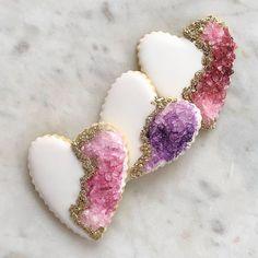 DIY: Tutorial de Valentine's Geode Heart Cookie Fancy Cookies, Heart Cookies, Valentine Cookies, Christmas Cookies, Valentines, Summer Cookies, Easter Cookies, Birthday Cookies, Macaroons Christmas
