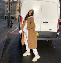 Winter inspo November 28 2019 at fashion-inspo Winter Fashion Outfits, Fall Winter Outfits, Autumn Winter Fashion, Fashion Clothes, Summer Outfits, Mode Instagram, Looks Pinterest, Sweatpants Outfit, Winter Fits