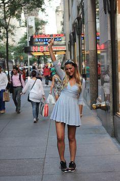 http://stylelovely.com/siguemiestilo/ Sneakers - http://www.hoodboyz.de/product/p131151_adidas-zx-700-w-low-sneaker-schwarz.html