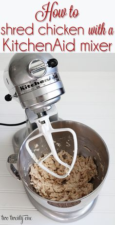 to Shred Chicken How to shred chicken in seconds with a KitchenAid mixer!How to shred chicken in seconds with a KitchenAid mixer! Kitchen Aid Recipes, Kitchen Aid Mixer, Kitchen Hacks, Cooking Recipes, Cooking Hacks, Skillet Recipes, Kitchen Cleaning, Cooking Tools, Rice Recipes