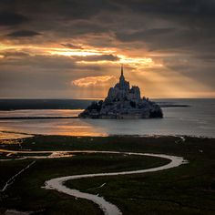 The heaven light over the Mont Saint-Michel | France (by Mathieu Rivrin)