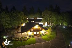 Design that doesn't horse around: Luxury barn living (photos) Last Chance Ranch, Barn With Living Quarters, Driveway Lighting, Barn Apartment, Barn Living, Farmhouse Landscaping, Pole Barn Homes, Timber House, Ranch Life