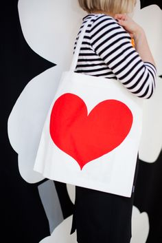 For Your Valentine: Marimekko´s Herttanen bag & Tasaraita shirt