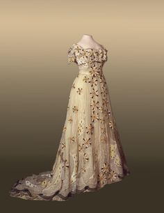 Evening dress of Empress Alexandra Feodorovna, 1900's From the State Hermitage Museum