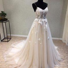 Cheap Spaghetti Straps Tulle Wedding Dress, Vintage A-Line Backless Apllique Wedding Dress, D1085