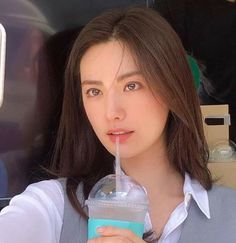 "Nana ❤️❤️❤️ on the set of her new movie, called ""Justice"". Missha makeup (of who Nana is the model for), provided a food truck 😘 My Beauty, Asian Beauty, Hair Beauty, Nana Afterschool, Im Jin Ah Nana, Good Looking Women, Beautiful Asian Girls, Girl Face, Ulzzang Girl"