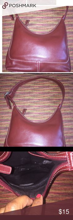 Nine West Shoulderbag Nine West Shoulderbag great Used Condition! Nine West Bags Shoulder Bags