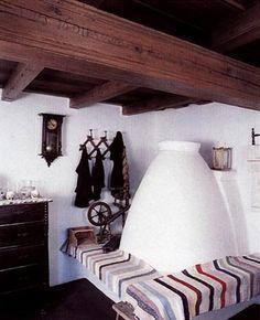 Szentendre - Szabadtéri Néprajzi Múzeum - Búbos kemence az átányi tájház szobájában