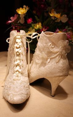 Winter Wedding Shoe Inspiration 2016 & 2017  Hot Chocolates - Chocolate Fountains  #wedding #weddings #bride #groom #dress #cake #bouquet  #winter #shoes www.hotchocolates.co.uk www.blog.hotchocolates.co.uk www.evententertainmenthire.co.uk