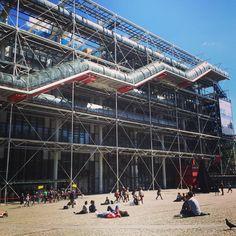 ©aurorelft - Huggy les bons tuyaux #Pompidou #paris #centrepompidou