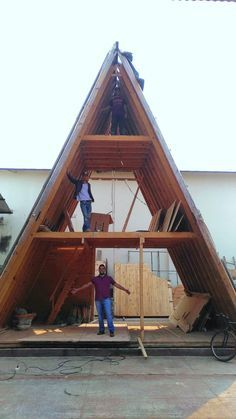 Wooden House Design, House Gate Design, Cabin Design, Tiny House Design, A Frame House Plans, Small House Plans, Tiny House Cabin, Cabin Homes, Triangle House