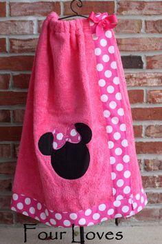 Girls Spa Wrap, Girls Custom Robe, Girls Bath Wrap Towel, Girls Shower Wrap, Girls Spa Wrap with Straps Sewing Crafts, Sewing Projects, Diy Crafts, Kids Robes, Monogram Towels, Spa Towels, Hand Towels, Towel Wrap, Monogram Styles