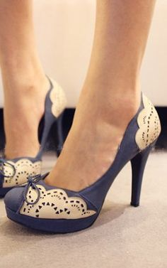 Cute blue fritz pumps - Shoes and beauty Zapatos Shoes, Women's Shoes, Shoe Boots, Louboutin Shoes, Christian Louboutin, Cute Shoes Heels, Art Shoes, Sperry Shoes, Pretty Shoes