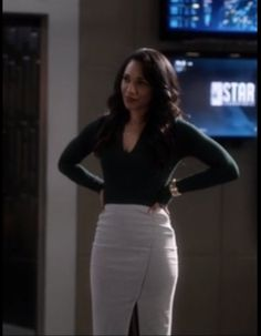 """""""Frankly my dear, I don't give a damn!"""" #RESPECT on Twitter: """"#CandiceIris100 #WestAllen #TheFlash… """" Iris West Allen, Cosplay Tumblr, The Flash, White Jeans, High Waisted Skirt, Costume Ideas, Respect, Characters, Twitter"""