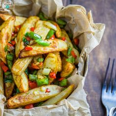 These Syn Free Dirty Fries are sublime! Last year we came up with a Slimming World version of Dirty Rice, and it's fair to say that it was one of our most popular recipes EVER in 2017. These Syn Free Dirty Fries will be a popular Slimming World addition to any dinner, lunch or snack!