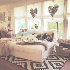 Teenage bedroom - so cozy