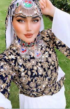 Afghan Clothes, Afghan Dresses, Ethnic Fashion, Work Fashion, Afghan Girl, Beautiful Costumes, Mirror Work, Afghans, Cover Photos
