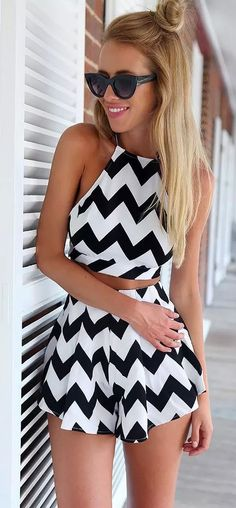 Stripe Backless Sleeveless Tank Top + Shorts: Two-Piece Outfits Fashion Mode, Fashion Outfits, Womens Fashion, Fashion Trends, Street Fashion, Summer Outfits, Cute Outfits, Work Outfits, Vetement Fashion