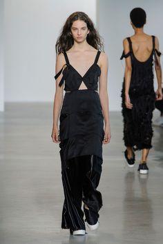 Calvin Klein at New York Fashion Week Spring 2016 - Livingly