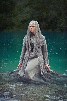 Cuivienen by Finarfel on DeviantArt Larp, Fashion Background, Medieval Fantasy, Medieval Cloak, Fantasy Costumes, Wattpad, French Fashion, Fantasy Characters, Costume Design