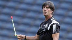 EM-Qualifikation gegen Polen: Emre Can in der Startelf http://www.bild.de/sport/fussball/emre-can/nationalmannschafts-debuet-42445498.bild.html